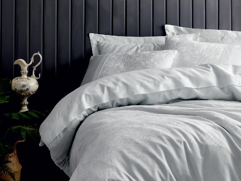 Satenska posteljina